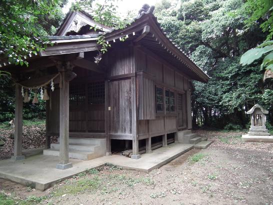 大塚神社の拝殿
