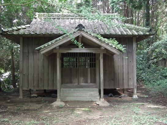 うがみ神社の拝殿