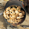 今年初の竹炭づくりが・・・