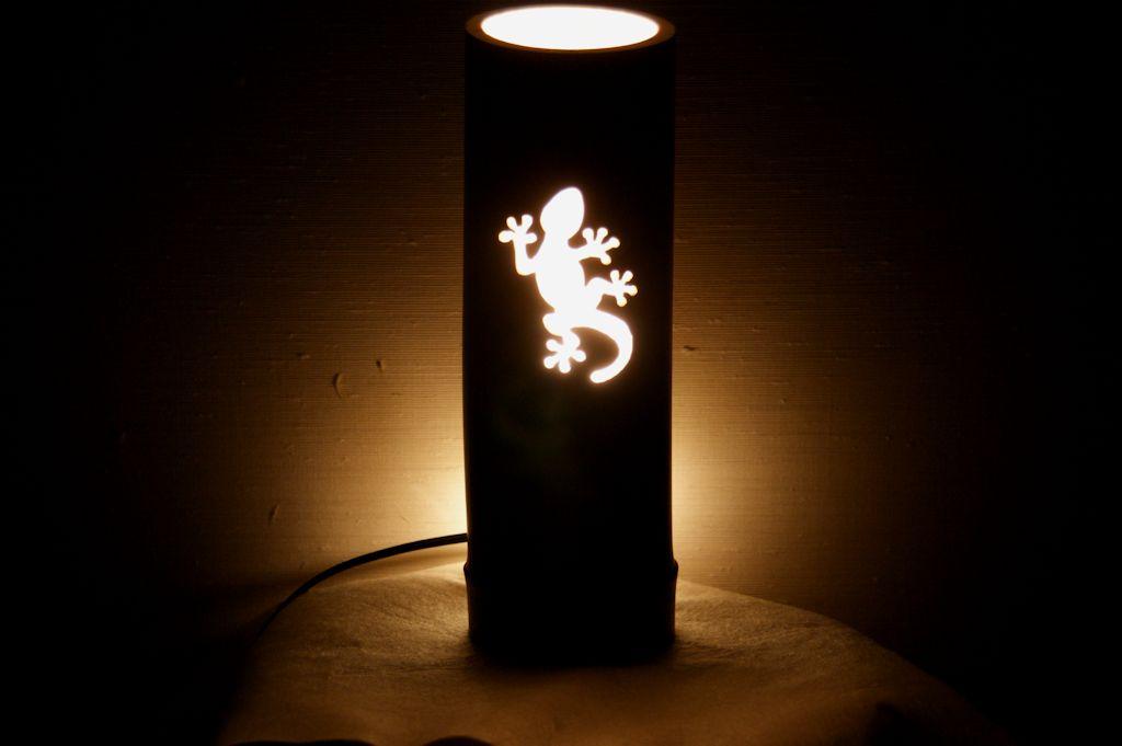 トカゲの竹ランプ